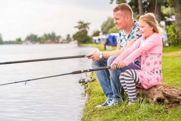 Vissen bij 'It Wiid' - Campings Friesland