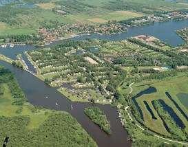 Vakantiehuizen in Friesland aan het water