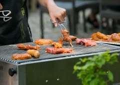 Genieten van een BBQ bij Eetcafe de Meerpaal