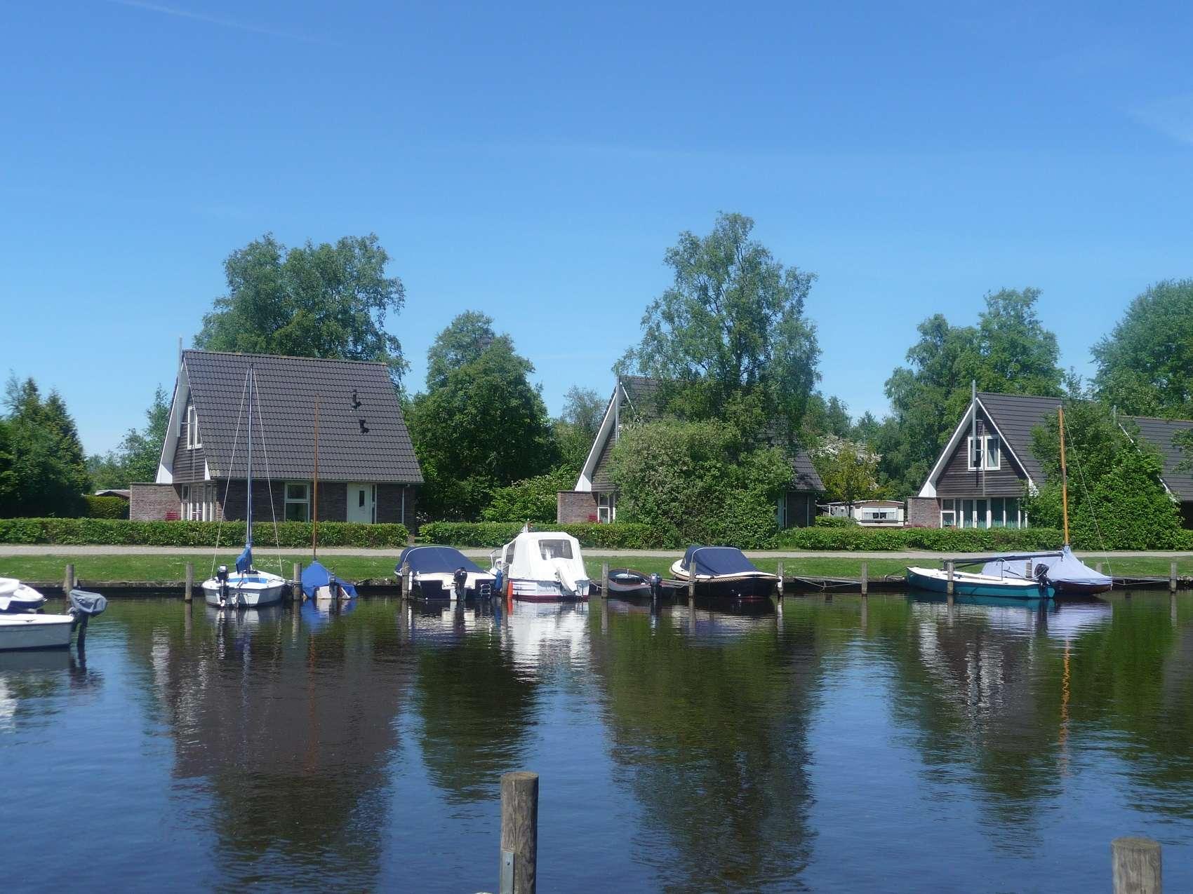 Vakantiechalet aan het water op Vakantiepark Giethoorn