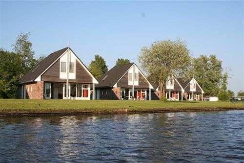 8-persoons Vakantiehuizen in Friesland aan het water