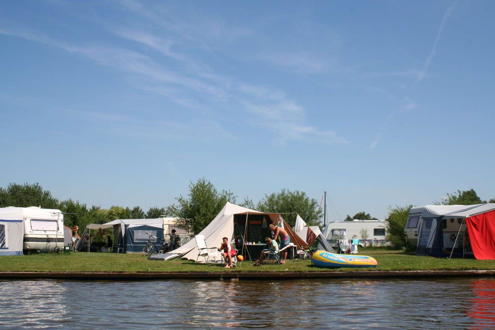 5 sterren camping Friesland aan het water