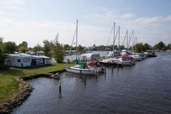 Camping It Wiid met haven in Friesland