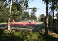 Tennisbaan op camping in Friesland
