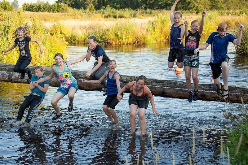 Survivallen in het Nationaal Park bij Camping It Wiid