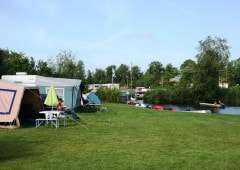 Comfort kampeerplaatsen aan het water
