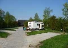 Plek voor camper op camping in Friesland