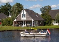 Vakantiewoning met sloep huren in het hart van Friesland
